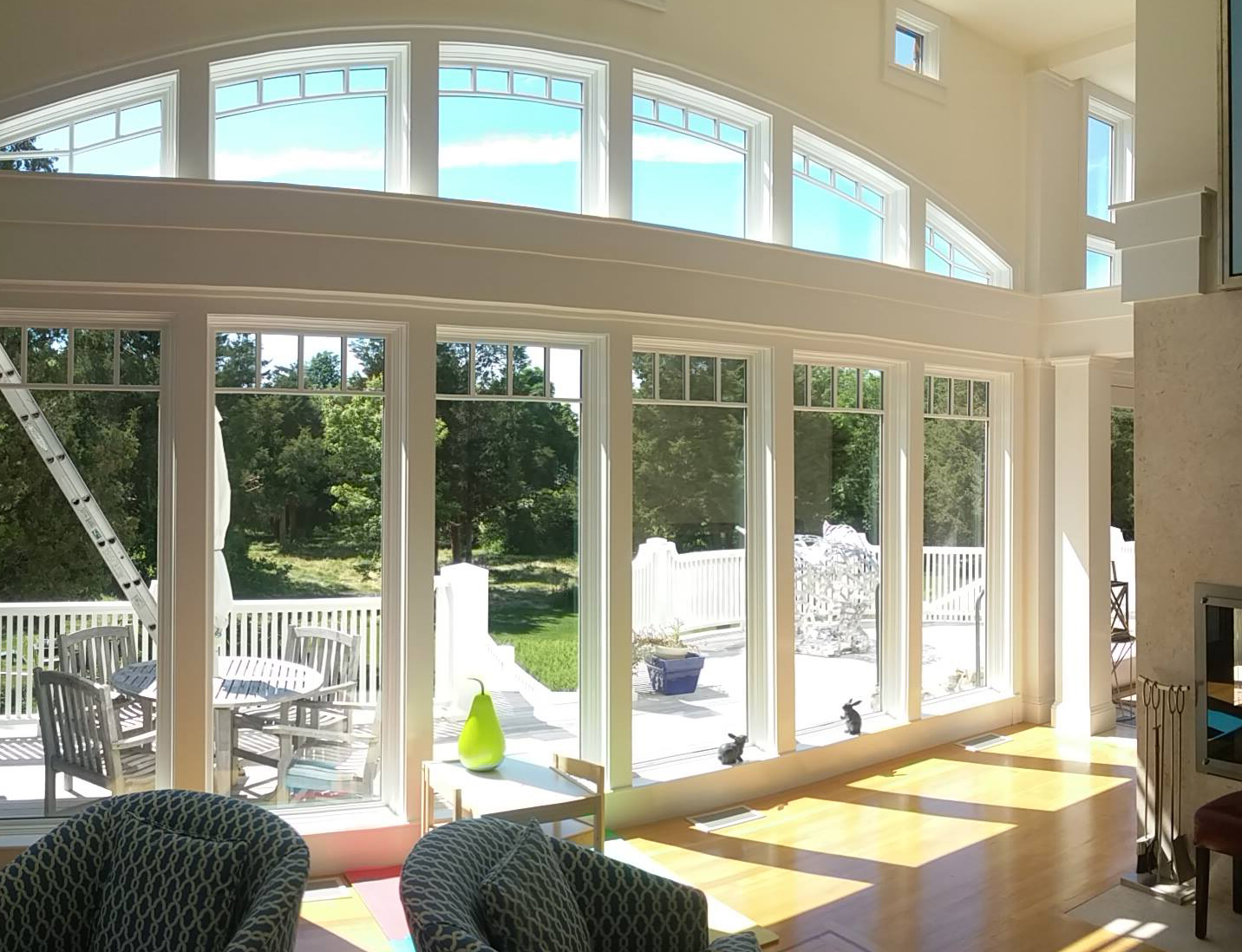 Residential & commercial window cleaning, awning cleaning, ultrasonic blind cleaning, pressure cleaning; Greater Boston, Cape Cod, MA, RI, PA